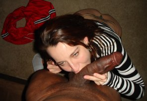 amateur photo sucking black dick