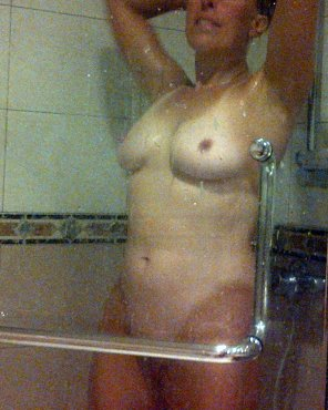 amateur photo Showering tanlines