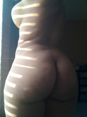 amateur photo THICK RUMP