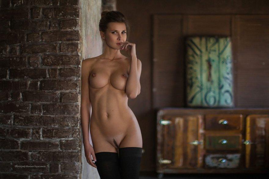 Landing Strip and Stockings Porn Photo