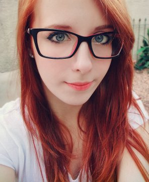 amateur photo Big Glasses
