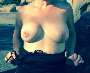 amateur photo My wife flashing her boobs during road trip at scenic rest stop
