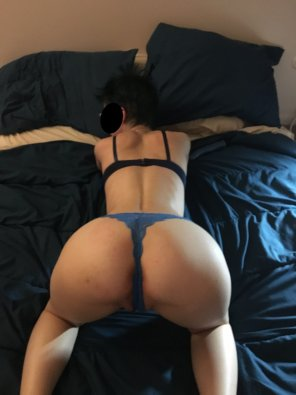 amateur photo blue hair, blue thong...everything matches!