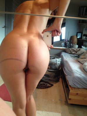 amateur photo cute ass selfie