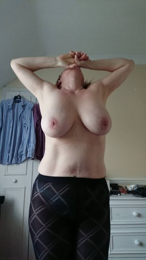 amateur photo Tits and pantyhose