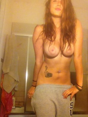 amateur photo Sweats and breasts