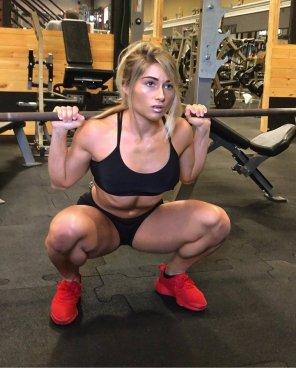 amateur photo Carriejune deep squat