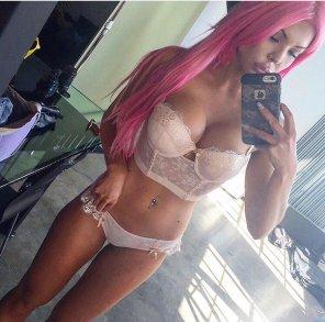 amateur photo Pink hair.