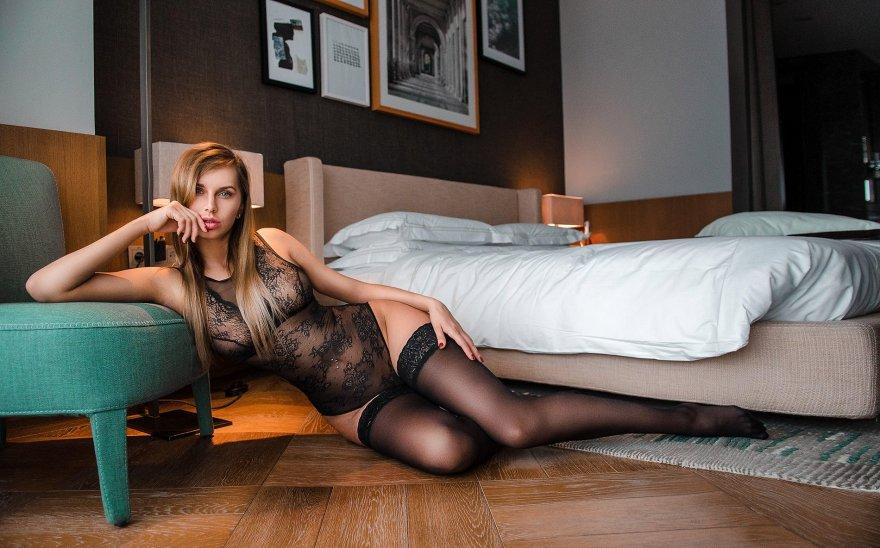 Floor routine Porn Photo