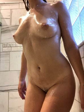 amateur photo Original ContentAll soapy and wet ;-) [IMG][OC]