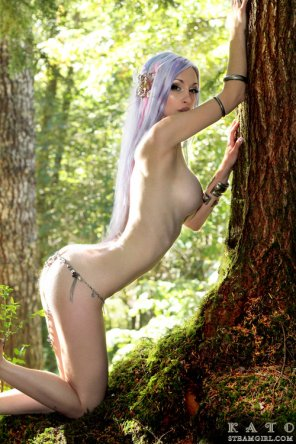 amateur photo Beauty in the woods