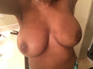 amateur photo Need my Titties sucked