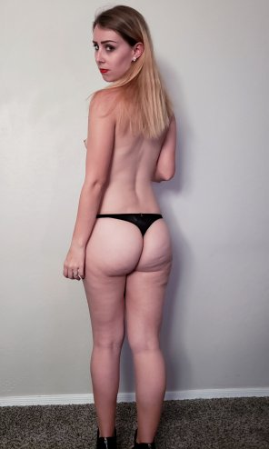 amateur photo I've been told my best feature is my biggest... would you agree?