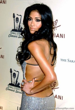 amateur photo Nicole Scherzinger thong slip