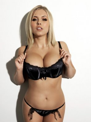amateur photo Blonde in black