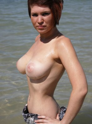 amateur photo Wet and busty