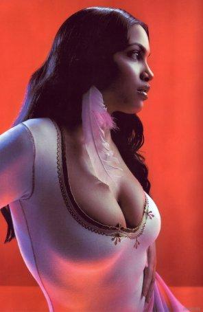 amateur photo Rosario Dawson so lovely