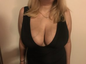 amateur photo [F] Too tight for a bra