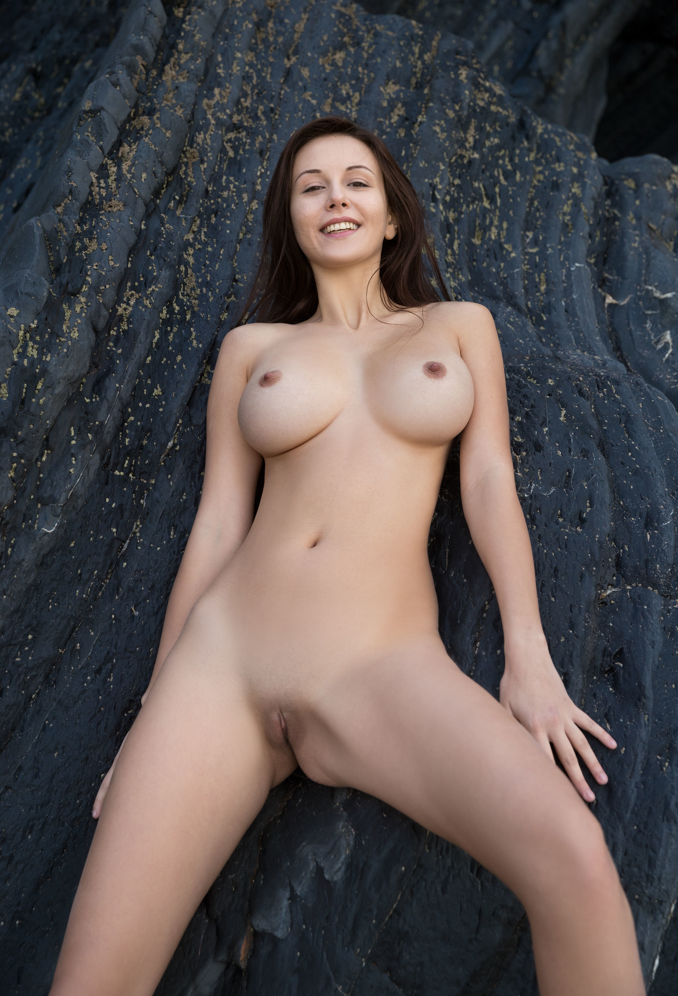 Nude alisa amore Babe Today