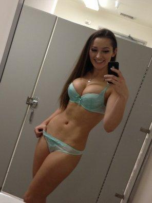 amateur photo Stall selfie