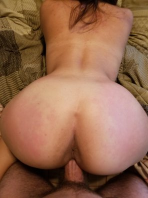 amateur photo Filling up the girlfriend