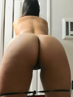 amateur photo [OC] haven't shown off my juicy ass on here in a while :3