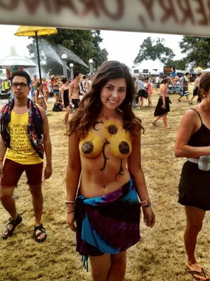amateur photo Cute girl at a festival
