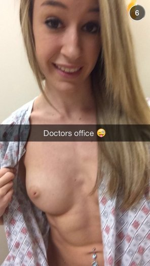 amateur photo Dr. Office
