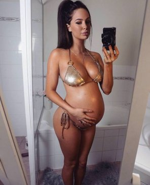 amateur photo Golden bikini