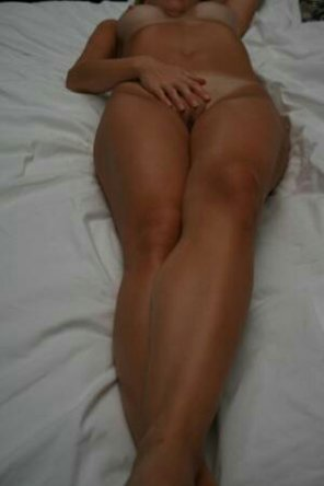 amateur photo Tanned beauty...