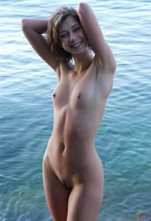 amateur photo Shaved Armpits