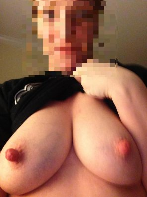 amateur photo Rock hard nipples