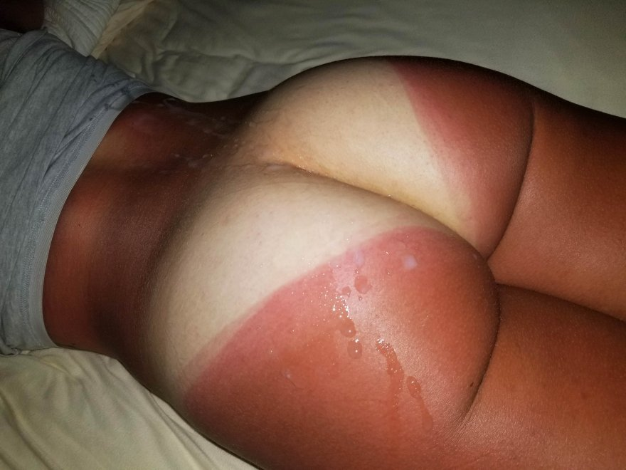 anyone a fan of tanlines? ;) Porn Photo
