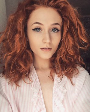 amateur photo Janet Devlin
