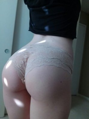 amateur photo Pale booty