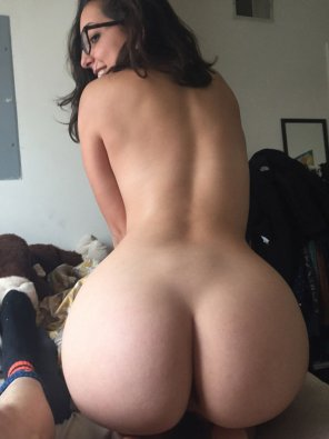 amateur photo Big ass with glasses