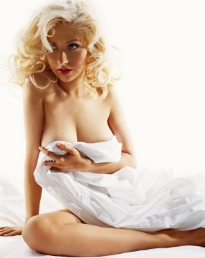 amateur photo Motherhood was kind to Christina Aguilera