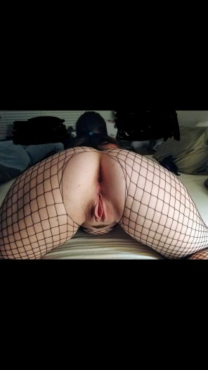 amateur photo Fat ass and a juicy pussy, all wrapped in fishnet 😍