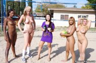 amateur photo Naked volleyball player