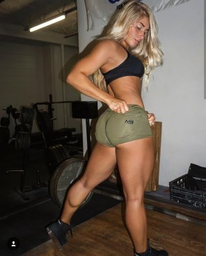 amateur photo Carriejune Bowlby
