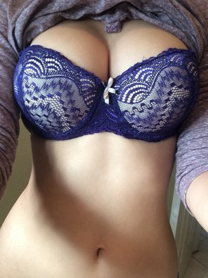 amateur photo bra