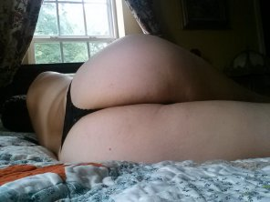 amateur photo My ass is so pale 😄