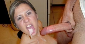 amateur photo Milf blowjob