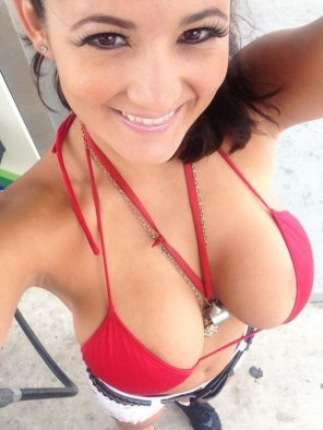 amateur photo Red Bikini