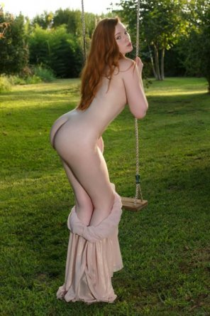 amateur photo More in commentsLuscious redhead
