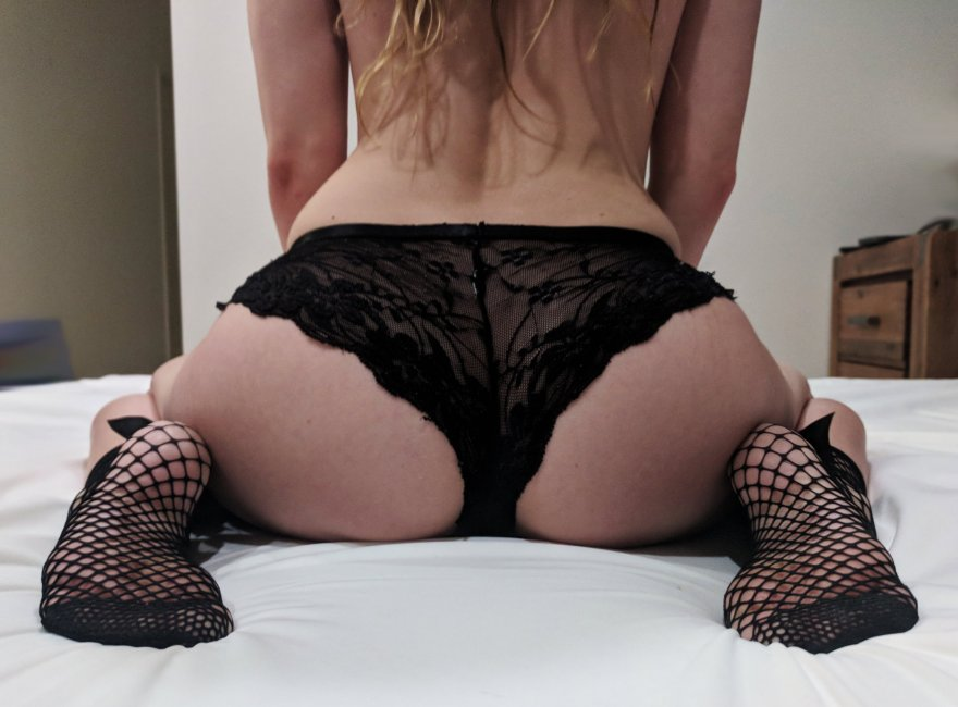 My little bum and feet 😉😘[f19] Porn Photo