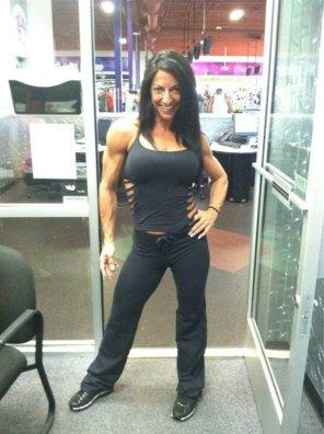 amateur photo Mari at the gym