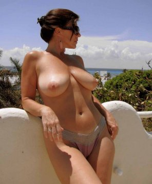 amateur photo A milf on holiday