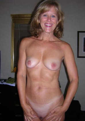 amateur photo This MILF isn't too old to be naughty