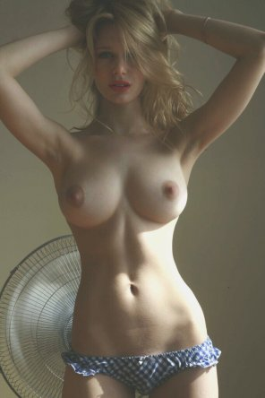 amateur photo Lovely curves